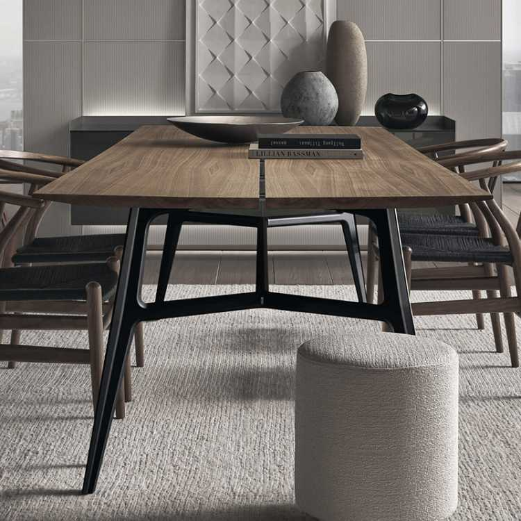 Francis Table from Rimadesioat Pure Interiors