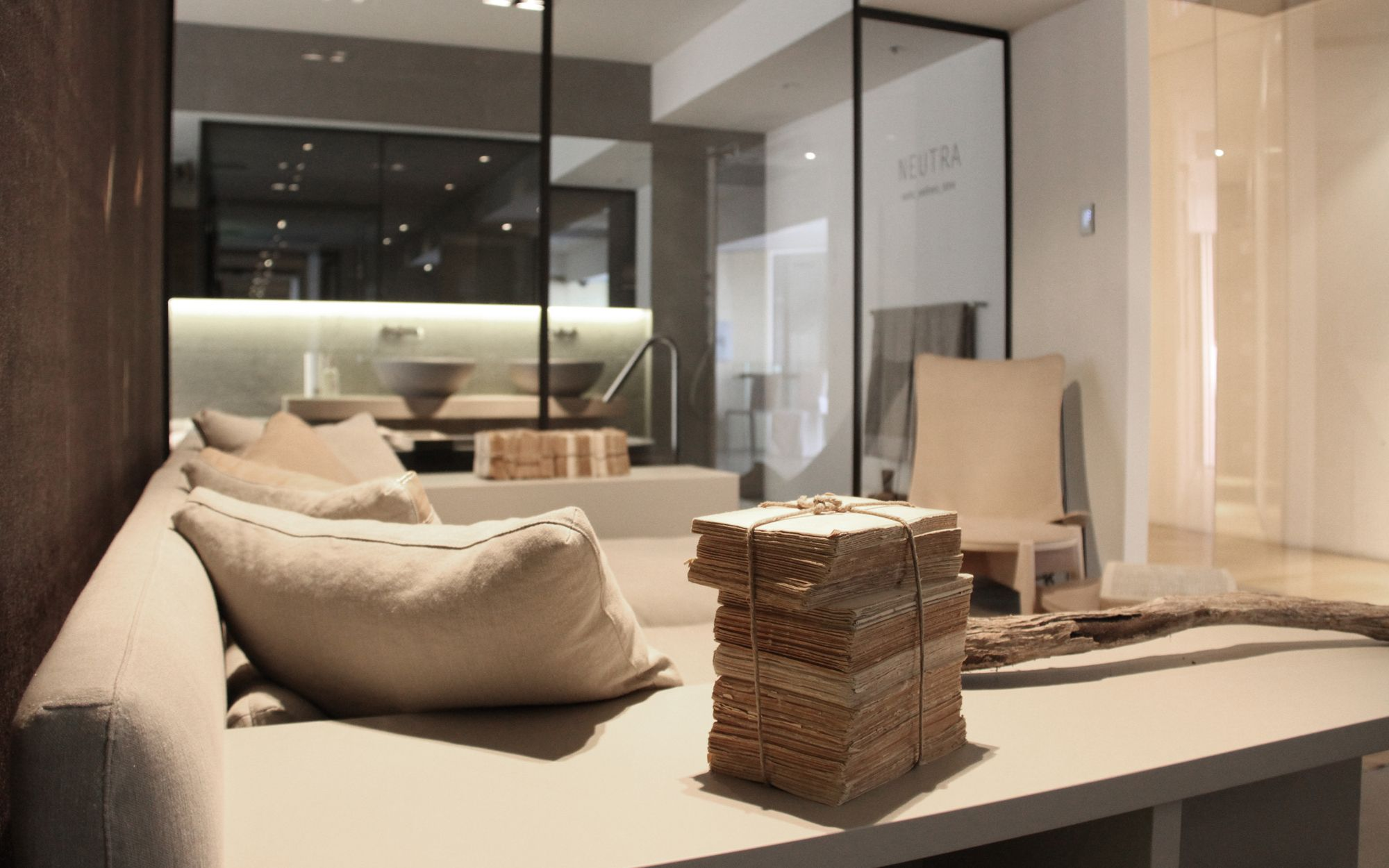Showroom Pure Interiors by Pure Interiors